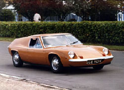 Early Cars Were Ed By A Lotus Modified Renault Engine Later This Was Replaced The Twin Cam And 5 Sd Gearbox